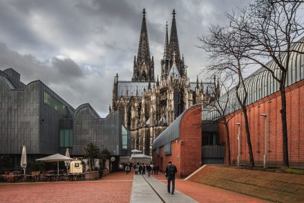 Museum Ludwig, situato alle spalle del Kölner Dom
